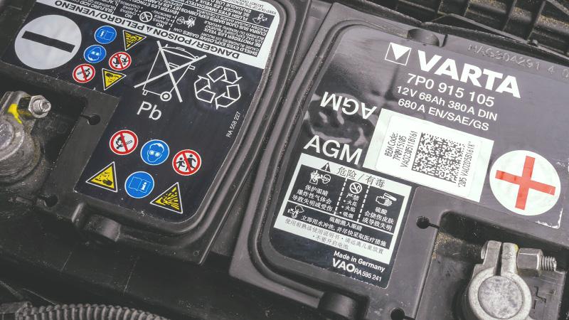Autobatterie fremdstarten oder überbrücken - mit pdf-Tutorial zum Download!
