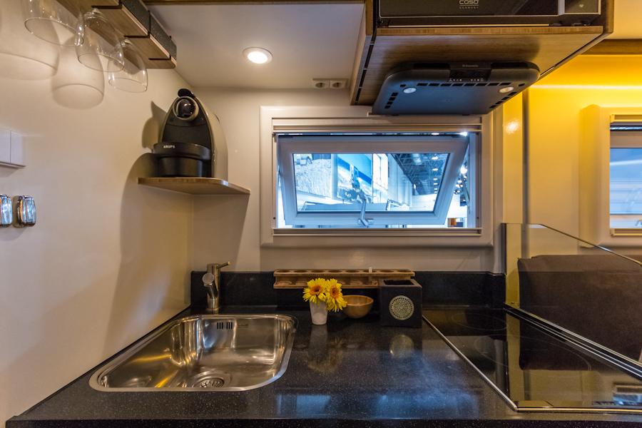 ist ein backofen im wohnmobil sinnvoll modelle und alternativen. Black Bedroom Furniture Sets. Home Design Ideas