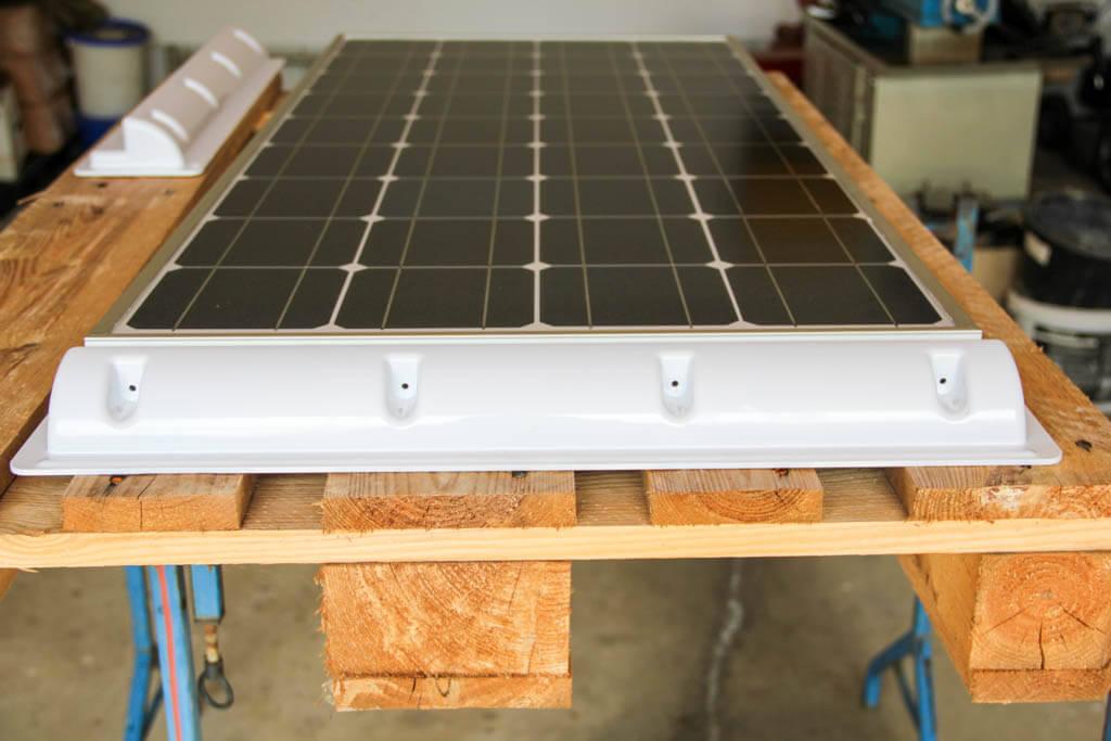 Solarmodul und Solarspoiler ineinander gefügt