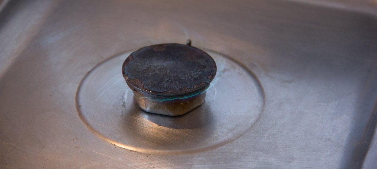 So sieht die Gasflamme nach der Reinigung aus.