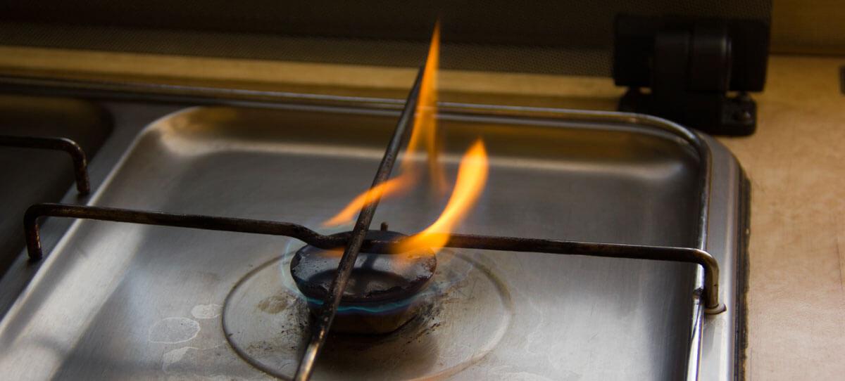 DIY: Rußender Gasherd Mit Gelb Brennender Flamme – Die Lösung