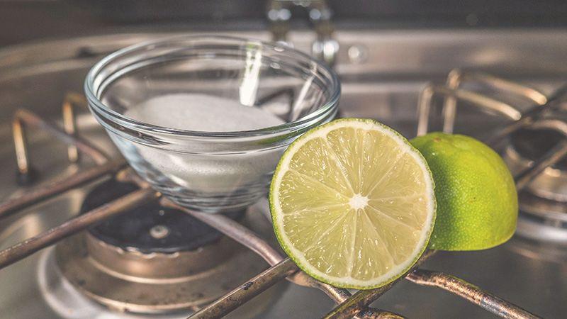 Nachhaltigen Bio-Reiniger selber machen aus Hausmitteln