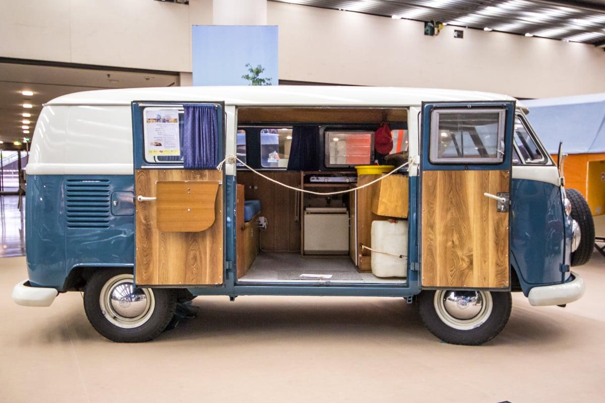 wohnwagen wohnmobil kastenwagen oder campingbus der gro e vergleich. Black Bedroom Furniture Sets. Home Design Ideas