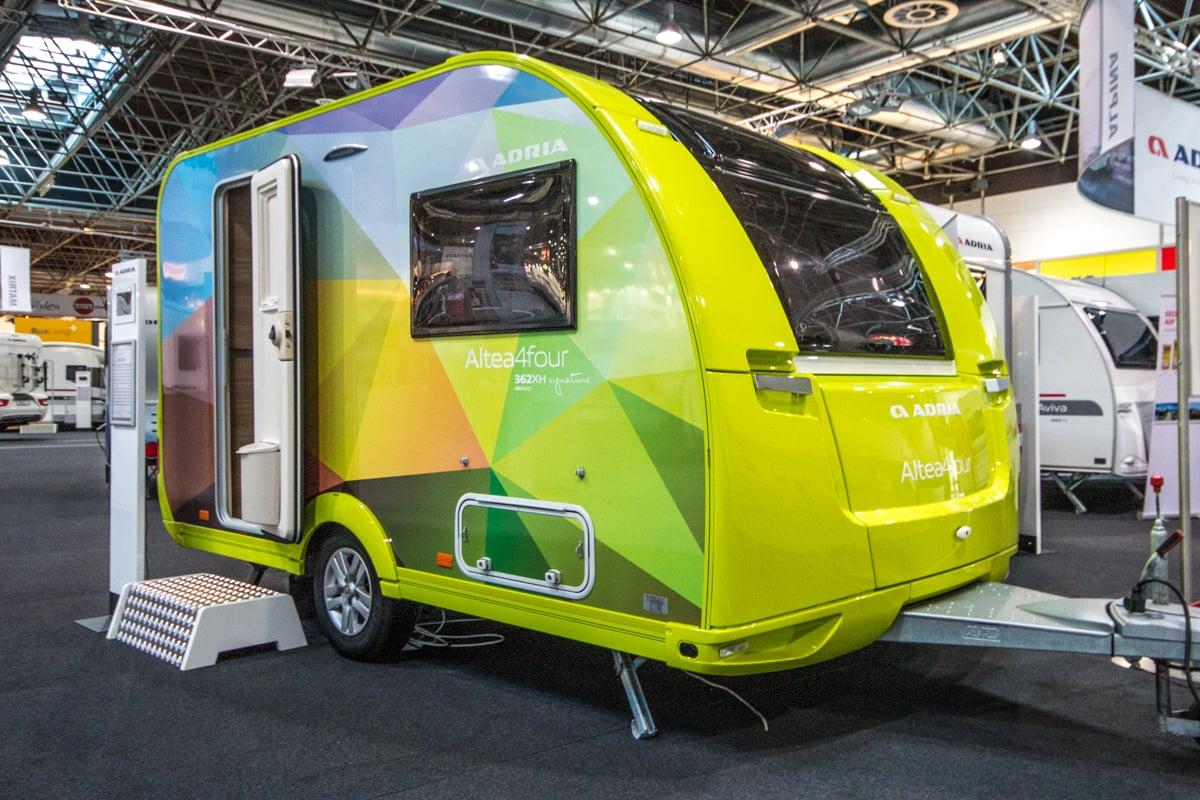 wohnwagen wohnmobil kastenwagen oder campingbus der. Black Bedroom Furniture Sets. Home Design Ideas