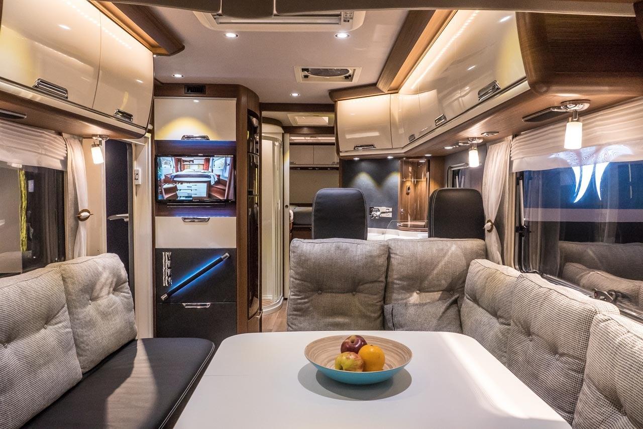 glamping bildergalerie der luxusliner zum tr umen. Black Bedroom Furniture Sets. Home Design Ideas