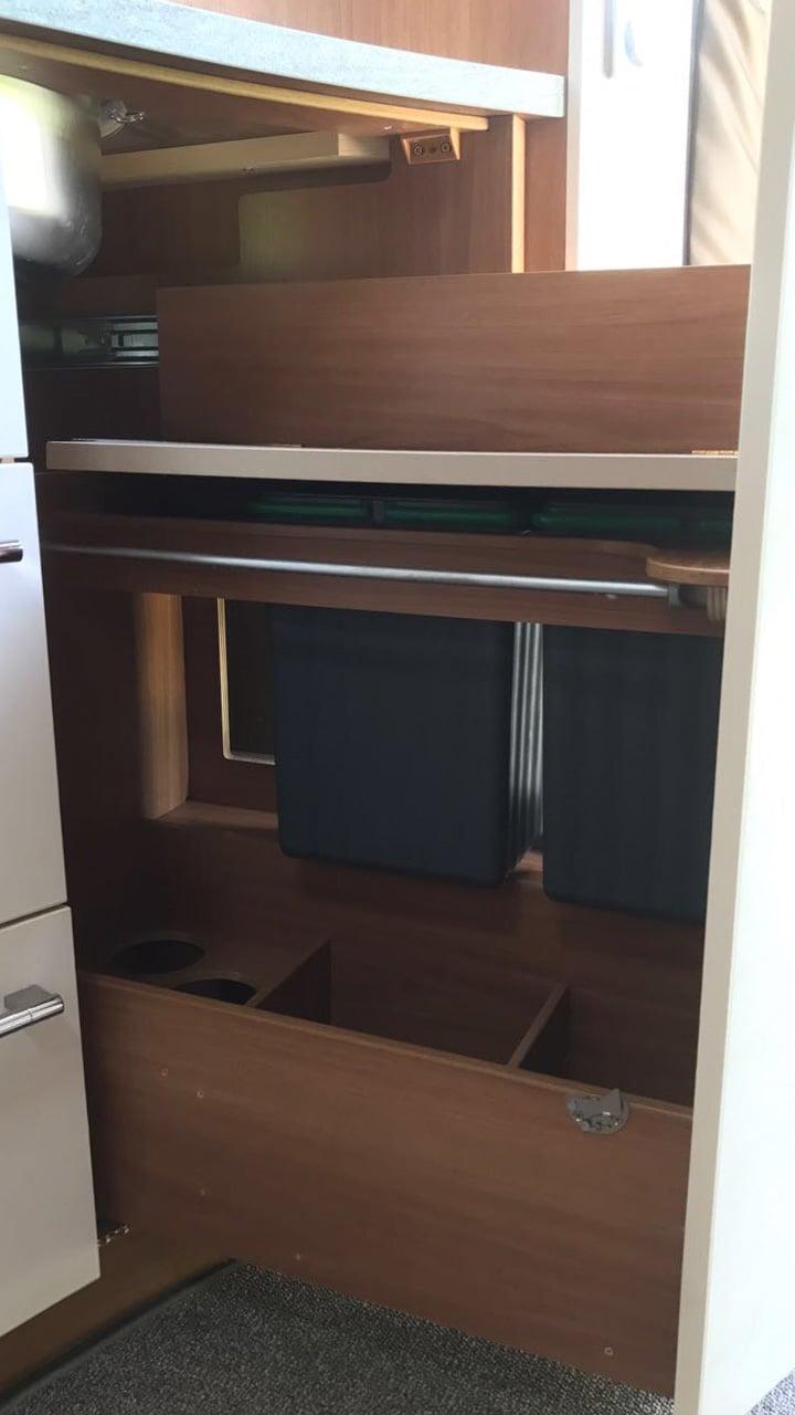 m lleimer in wohnmobil und wohnwagen m lltrennung auf kleinstem raum. Black Bedroom Furniture Sets. Home Design Ideas