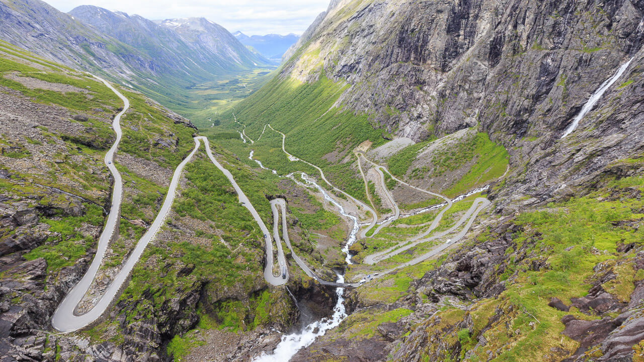 Der Trollstigen In Norwegen