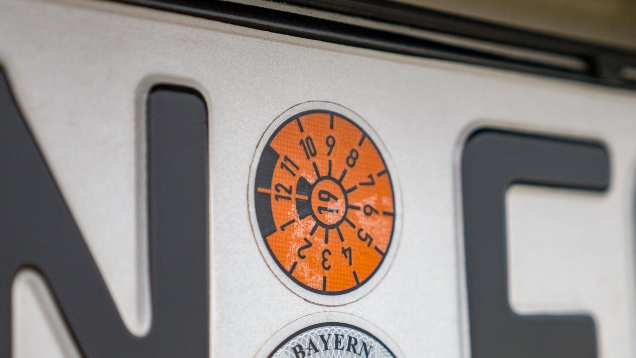 Abgelaufener TÜV: Was tun bei langem Auslandsaufenthalt mit Wohnwagen und Wohnmobil?