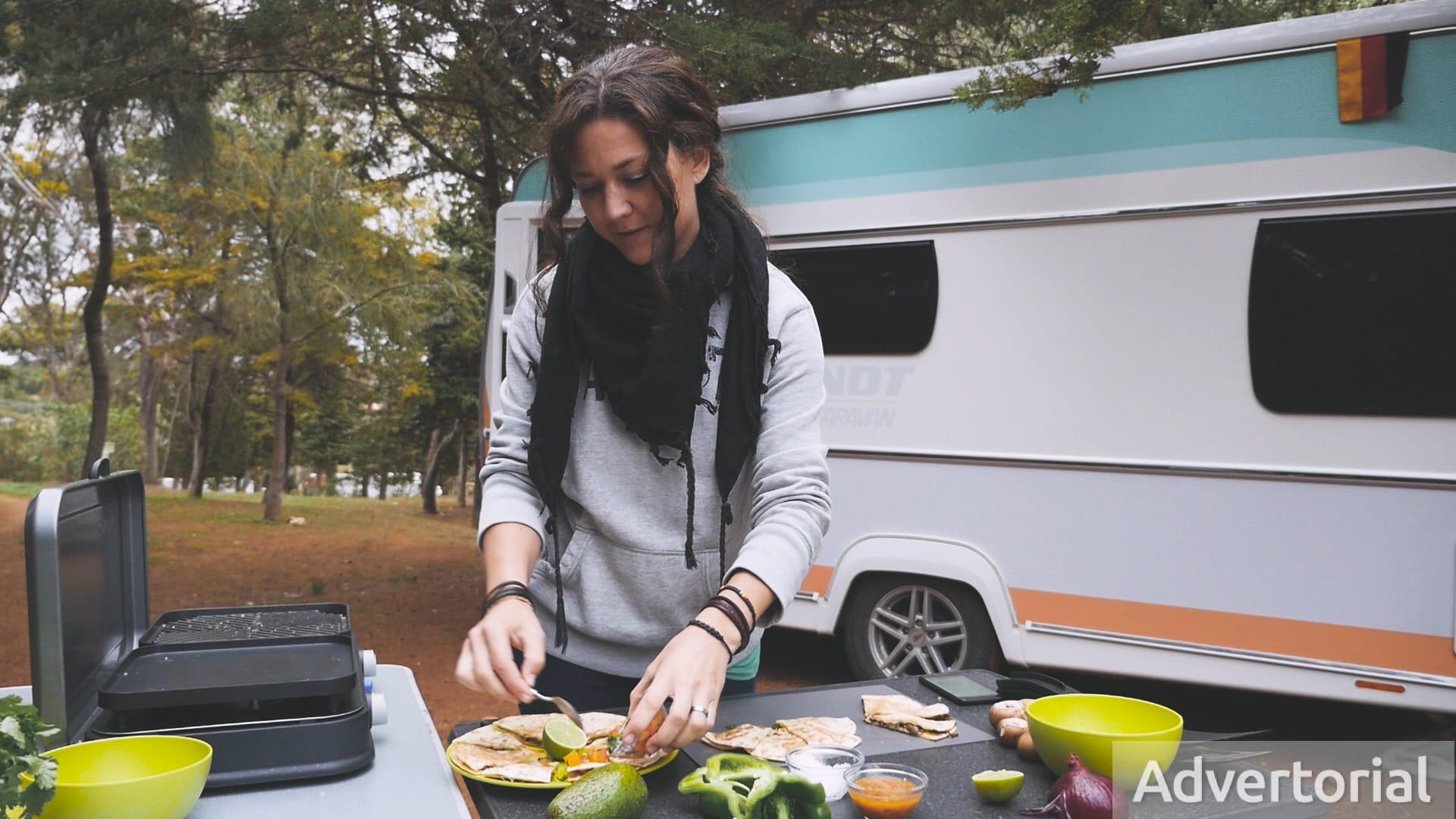Rezepte für den Campinggrill: Quesadillas mit Zwiebeln, Pilzen und Paprika
