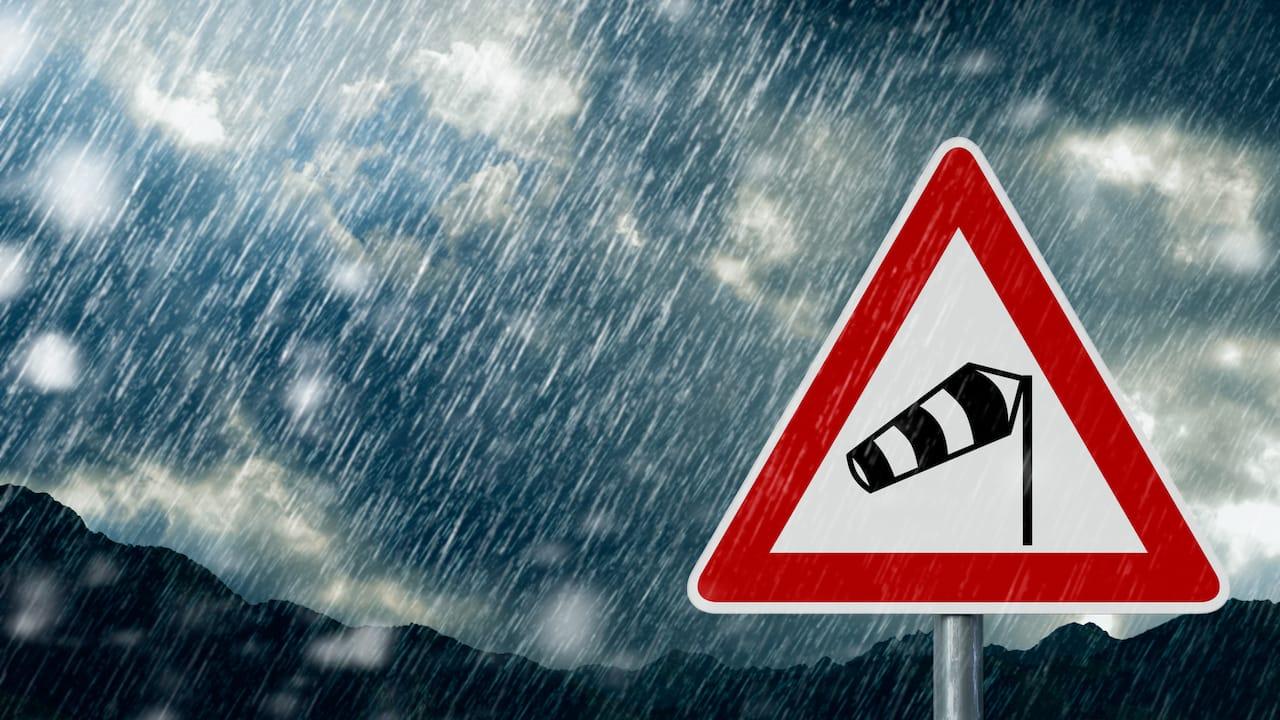 Versicherungswissen: Unwetter- Und Hagelschaden Bei Wohnwagen Und Wohnmobil