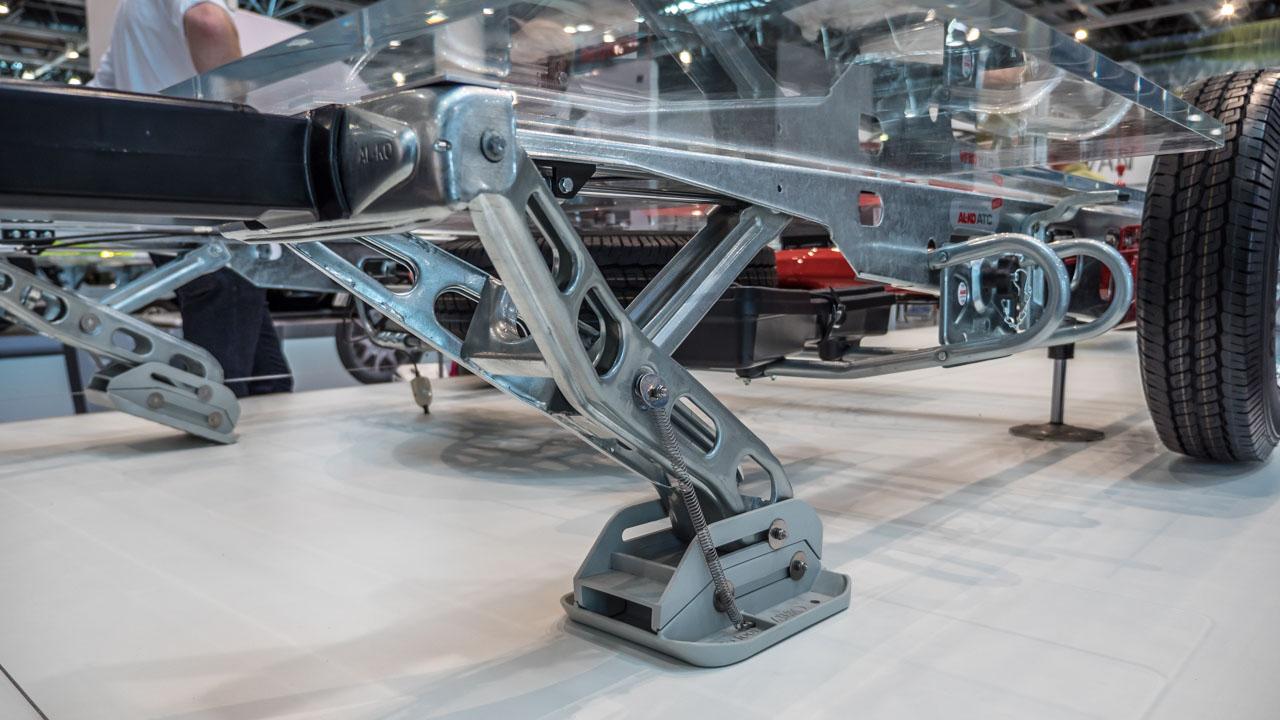 Messeneuheit: E&P levelC – Hydraulisches Stützen- und Nivelliersystem für Wohnwagen