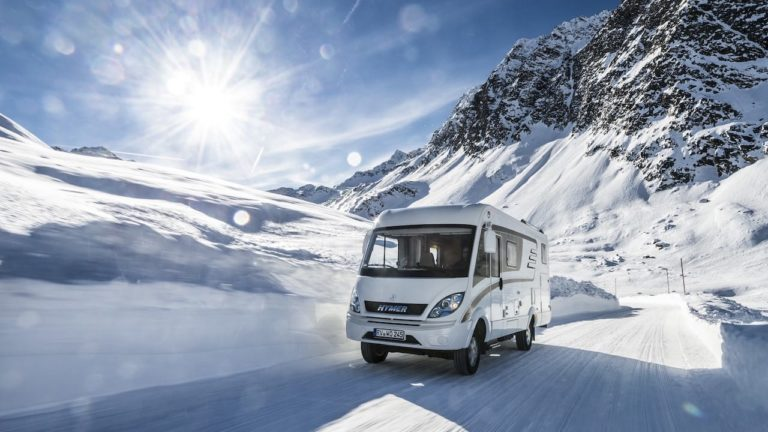 Ein Camper im Schnee sollte fit fürs Wintercamping sein Foto Hymer GmbH