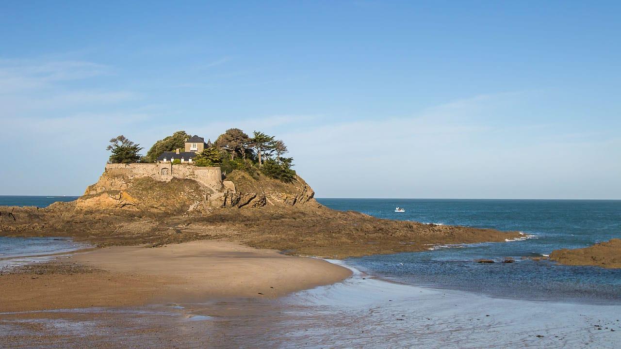 Sehenswuerdigkeiten und Campingplaetze auf einem Roadtrip durch Bretagne
