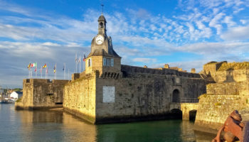 Blick auf die historische Altstadt von Concarneau in der Bretagne Foto Donatienne Guillaudeau