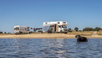 Mit zwei Wohnmobilen auf einem Roadtrip durch die Algarve