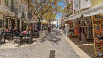 Zu Besuch in Lagos an der Algarve auf einem Roadtrip durch Portugal