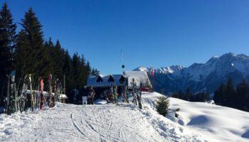 Die Schweiz ist das perfekte Camping Reiseziel zum Skifahren