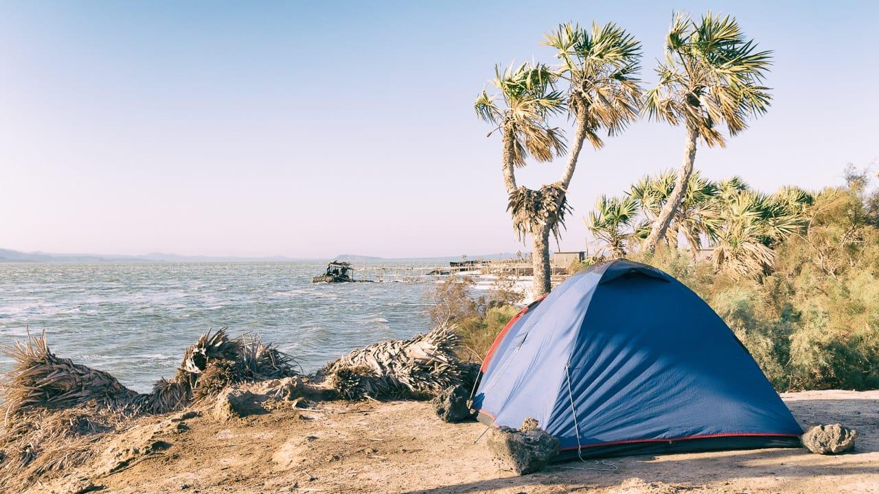 Zelten am Meer mit dem Ratgeber fuer das richtige Zelt finden
