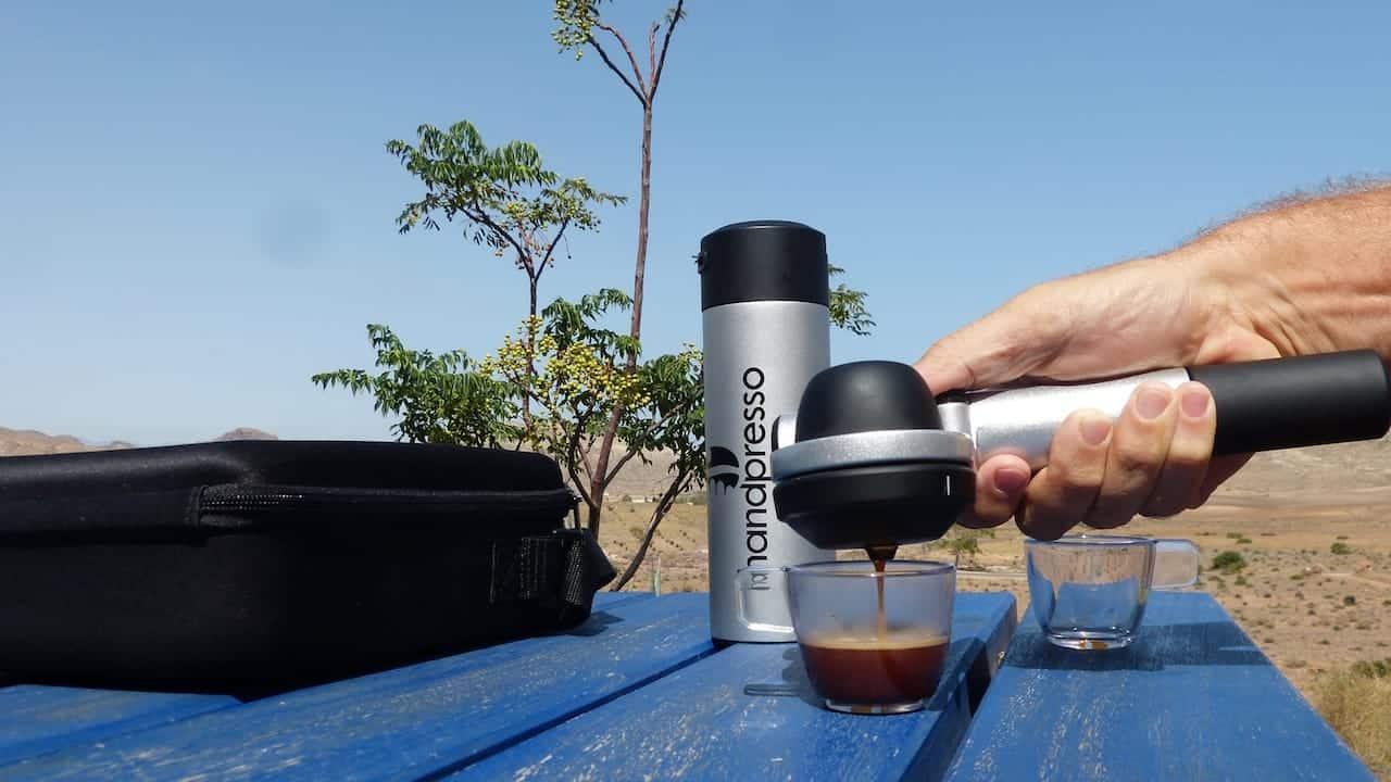 Eine praktische und handliche Handpressomaschine (c) Handpresso