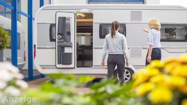 Verkäuferin Wohnwagen Wohnmobil