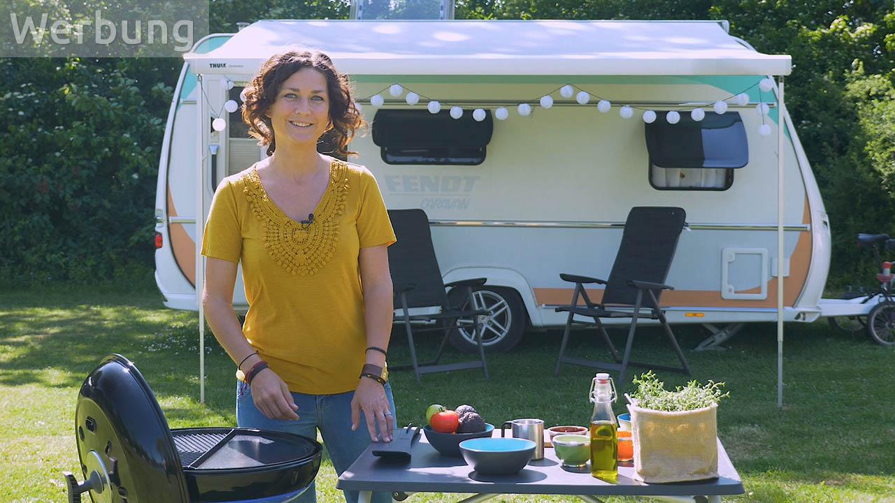 Camping-Rezepte: Gefüllte Grill-Avocado mit Olivenbrot vom Carri Chef 2 (vegan)