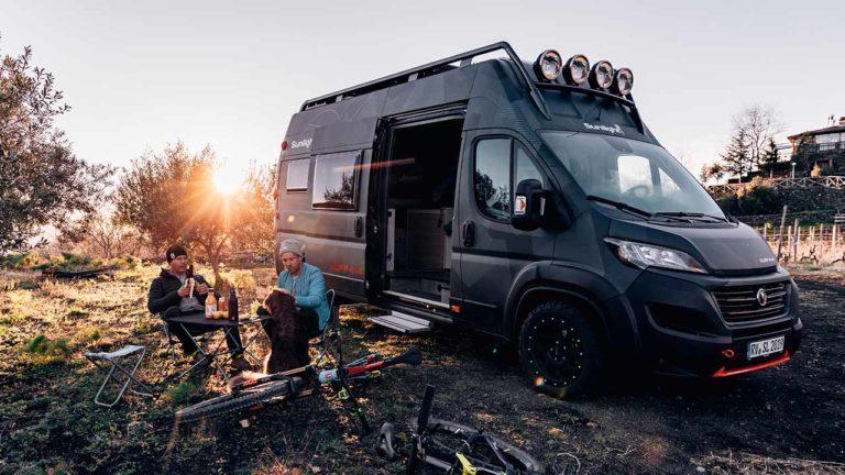 Der Sunlight CLIFF 4x4 Adventure Van im Gelände
