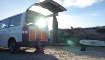 Ein ausgebauter Camper mit dem Modul von Fluchtfahrzeug