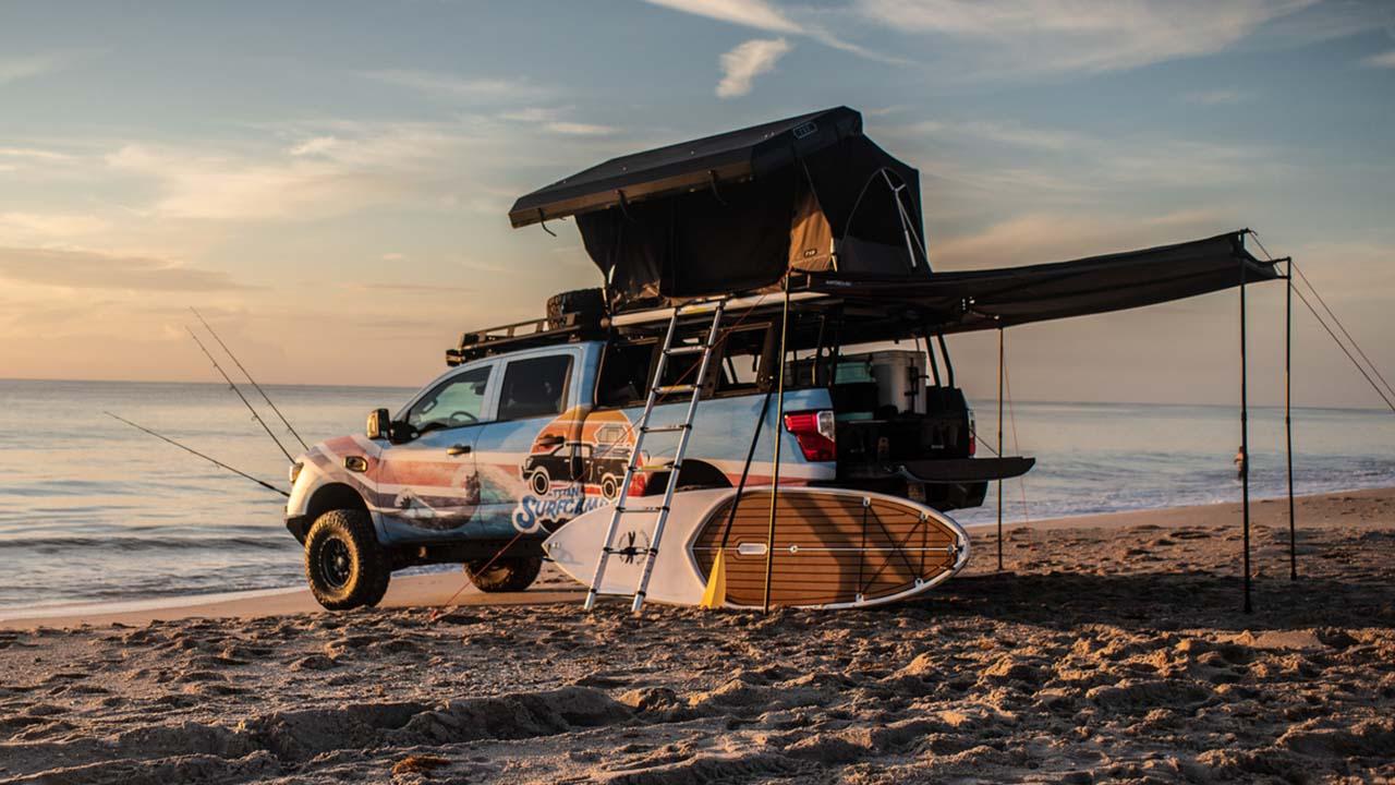 Kein Sand im Getriebe: mit dem Nissan Titan Surf Camp ans Meer