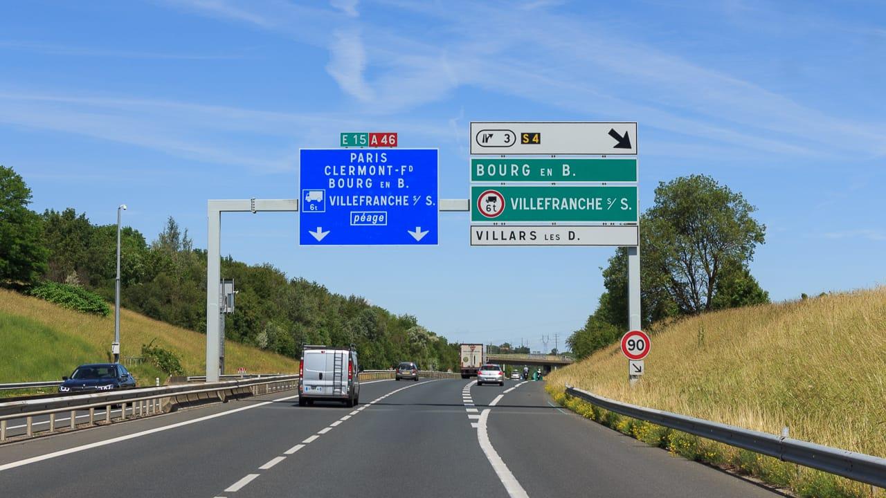 Verkehrsregeln Frankreich: Höchstgeschwindigkeiten, Maut