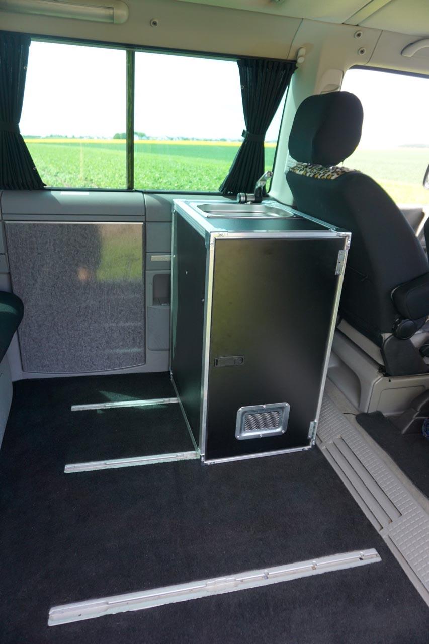 Van.Kitchen: Die rasende Einbauküche für den Bus