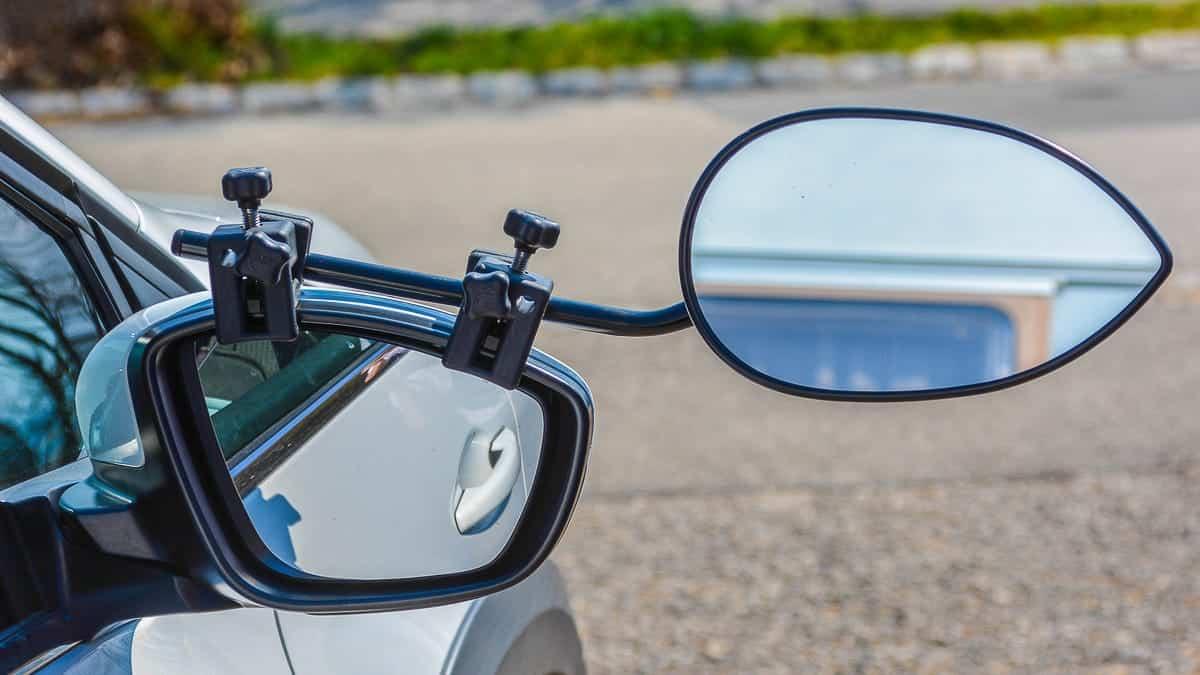 Wohnwagenspiegel ein Zusatzspiegel für einen Caravan