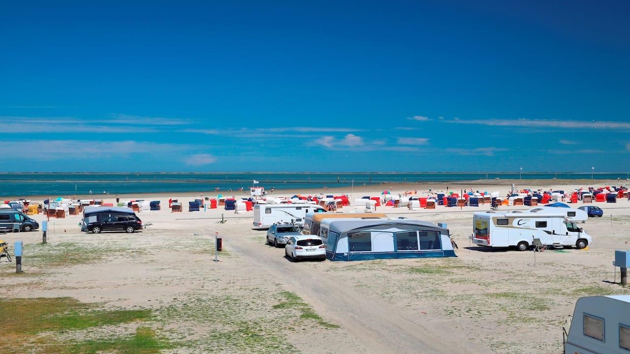 Strand und Familiencamping Bensersiel für einen Urlaub mit Kind am Meer